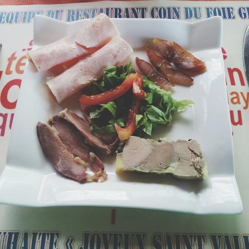 Foie gras - magret de canard fumé - poisson fumé - jambon de volaille