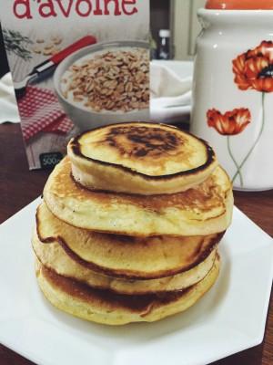 Délicieux et adorables pancakes moelleux au yaourt