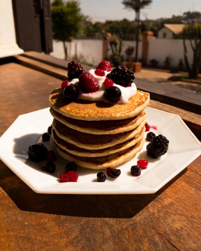 Pancakes vegan à la banane, au baobab et à l'avoine